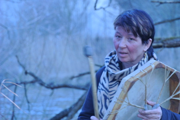 Ritual, Clara trommelt, Foto (c) Christiane Duin